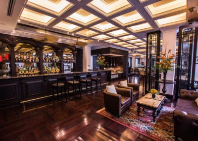 Bar Le Club im Luxushotel Sofitel Legend Metropole Hanoi