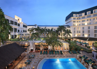 Swimming-Pool des Luxushotel Sofitel Legend Metropole Hanoi