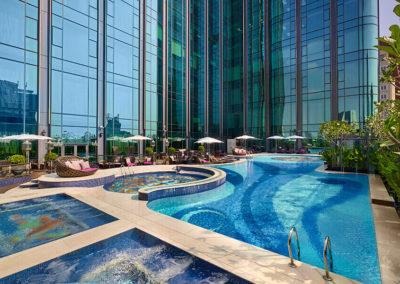 The Reverie Saigon: Swimming-Pool